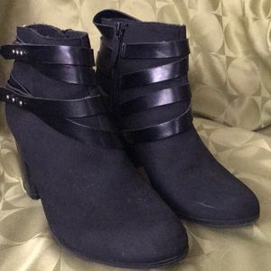 Black heeled booties from Material Girl size 9 1/2